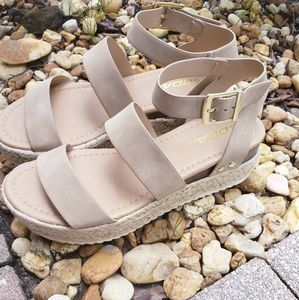 NEW Strapped Espadrille Flat wedges